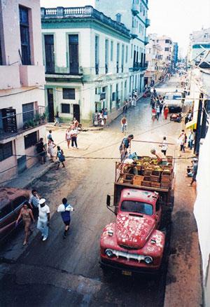 truck-unloading-in-havana-cuba-1447030300wide1[1]